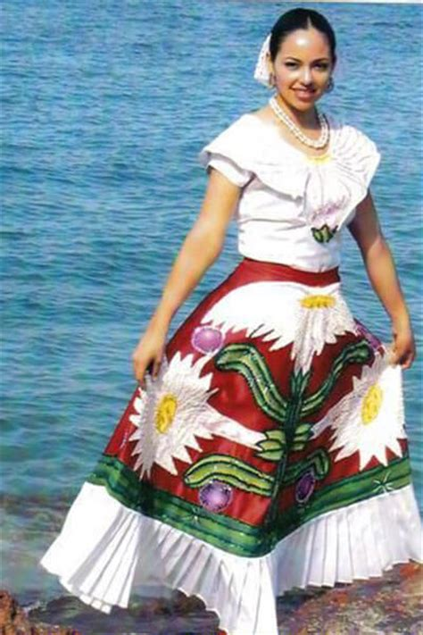 Typical costumes, pride of all Mexicans - Mexico Boutique