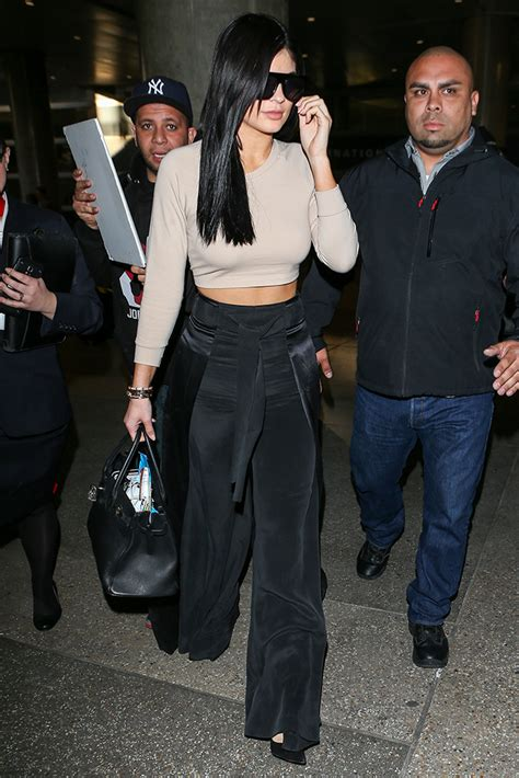 Kendall and Kylie Jenner Carry Great Bags Including Hermès