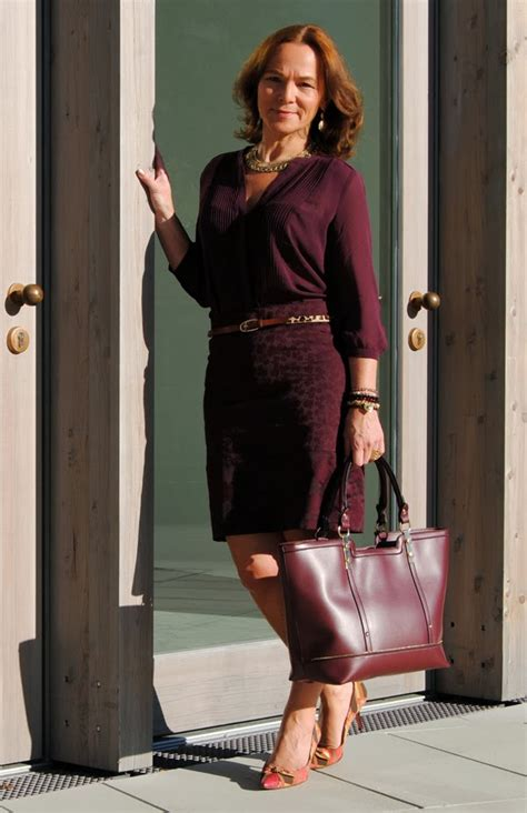 MONOCHROMATIC LOOK IN BURGUNDY   Lady of Style
