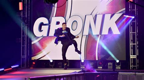 WWE news: reviewing Rob Gronkowski's debut on SmackDown