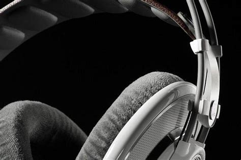 23 Extremely Cool Headphone Designs – ND