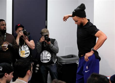 Q&A: Stephen Curry discusses coming back from sprained MCL
