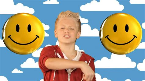 Pharrell Williams - Happy cover by Carson Lueders - YouTube