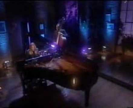 Diana Krall - Fly Me To The Moon - YouTube
