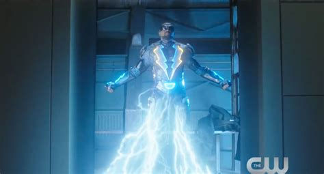 Black Lightning suits up with the team in new Arrowverse