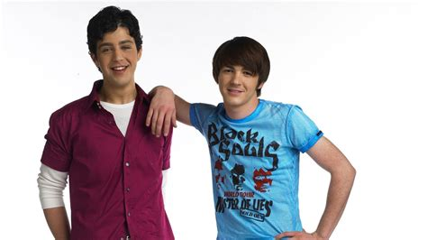 Josh Peck Is Down For A 'Drake & Josh' Reunion, With One